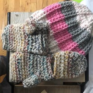 Hat and mitten knit set